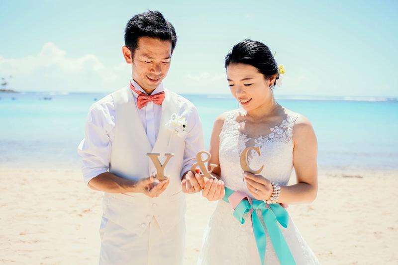 ハワイ婚,ハワイ結婚式,ハワイウェディングのステップ,サッシュベルト,ウェディングドレス,アパナミサブログ