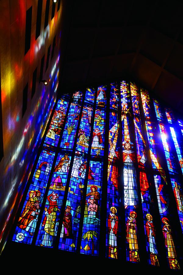 セントアンドリュース教会挙式,ステンドグラスと言えば,最大級,リノハワイ,お勧め